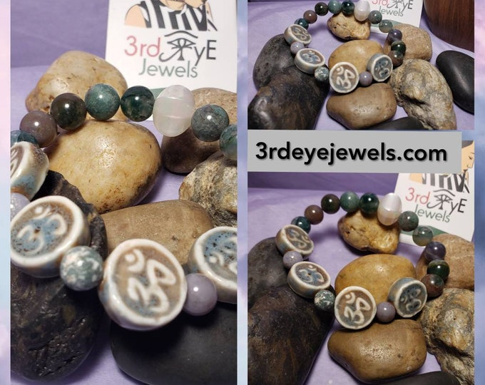 Ladies, OM Symbol Stretch Bracelet with Agate stones