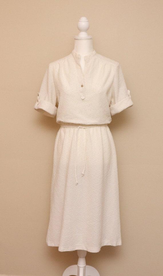 Vintage womens white belted shirt waist dress/ Jod