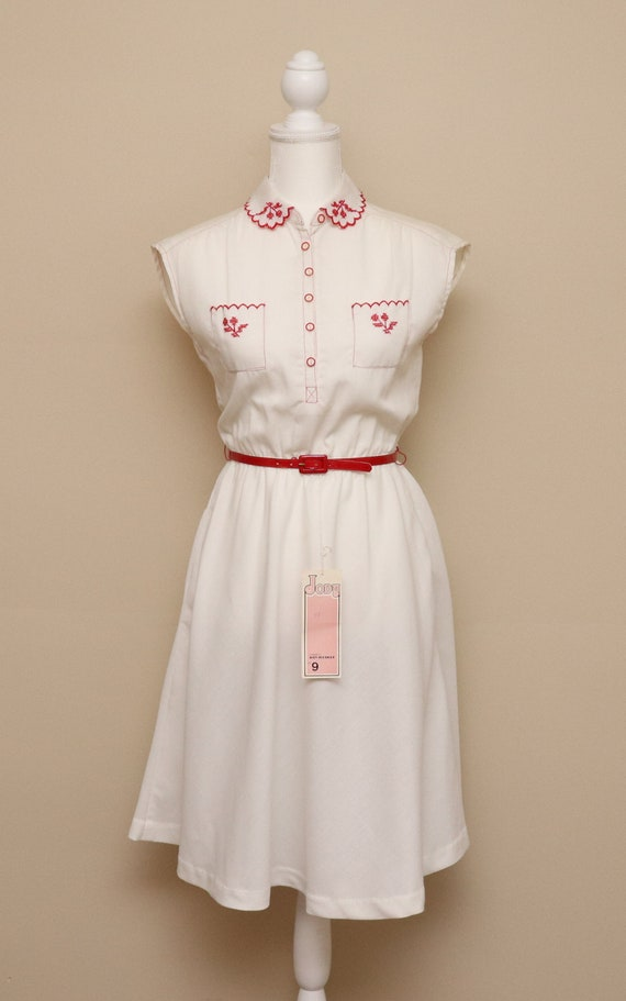NOS Vintage womens white and red belted collared s