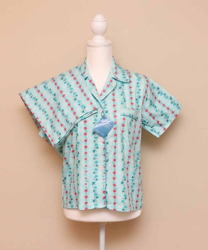 NOS vintage womens blue floral stripe cotton pajama set Carol Brent