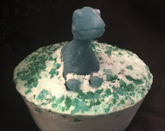 Kids surprise bath bomb, DINOSAUR BATH BOMB -glow in the dark toy