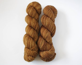 MCN, Tobacco, fingering weight, speckled yarn, hand dyed yarn, cashmere yarn, sock yarn, hand painted