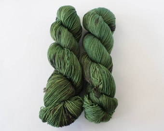 Bay Laurel, sock yarn, fingering yarn, hand dyed yarn, indie dyed yarn, hand painted, speckled yarn, Bay Street Yarns