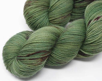 Desert Green, 2 ply, sock yarn, fingering yarn, hand dyed yarn, indie dyed yarn, hand painted, speckled yarn, hknt, Bay Street Yarns