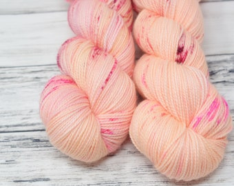 Grapefruit, sock yarn, ava