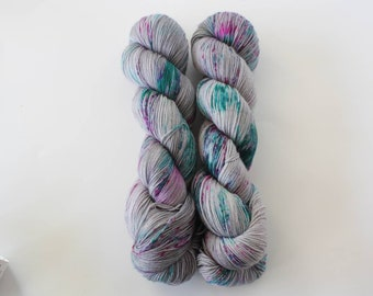 Sprinkling, sock yarn, fingering yarn, hand dyed yarn, indie dyed yarn, hand painted, speckled yarn, Bay Street Yarns
