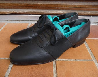 1970s men's black leather shoes fancy mocassin size 8