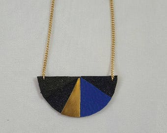 Leather necklace, faux leather and glitter