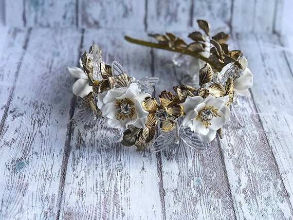 A Wedding For Christmas 2021 Christmas 2021 Gifts Wedding Crown Tiara Headband Gold Leaves Etsy
