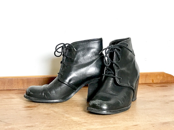 vintage ankle boots | black leather booties | blac
