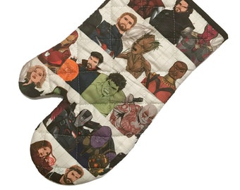 Oven mitt made with Avengers characters fabric
