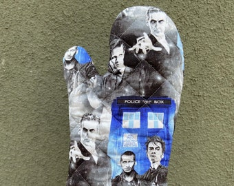 Oven mitt made with Doctor Who fabric, kitchen decor