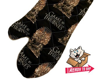 Oven mitt made with Game of Thrones - Iron Throne fabric