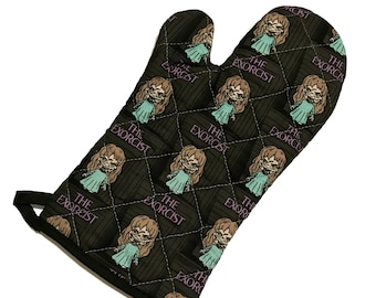Oven mitt made with The Exorcist fabric
