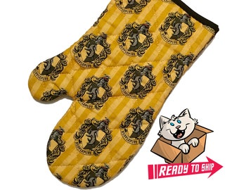 Oven mitt made with Hufflepuff fabric