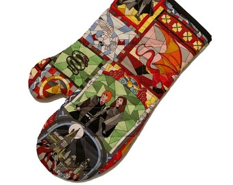 Oven mitt made with stained glass HP character fabric