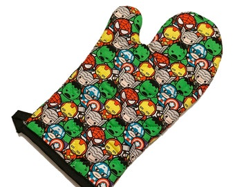 Oven mitt made with Marvel cuties fabric