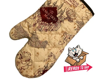Oven mitt made with Marauder's Map fabric