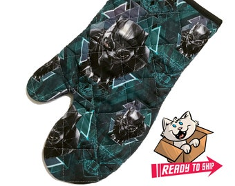 Oven mitt made with Black Panther fabric
