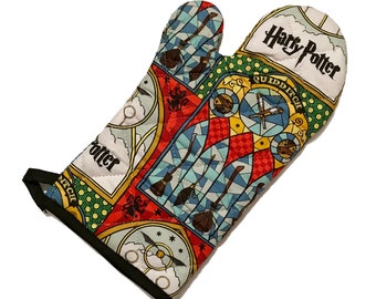 Oven mitt made with Quidditch fabric