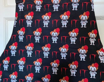 Reversible apron (6 pockets) made with Pennywise It fabric