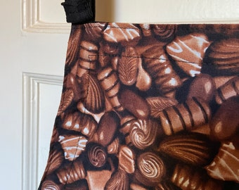 Reversible Chocolates Apron with 6 pockets