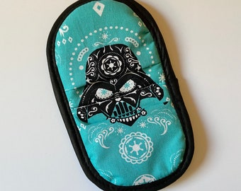 PREORDER - Mini Mitt made with Darth Vader Sugarskull fabric, kitchen decor