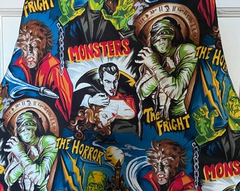 PREORDER - Reversible apron (6 pockets) made with classic movie monster fabric