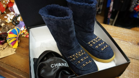 Chanel shoes, sherling boots winter chain leather