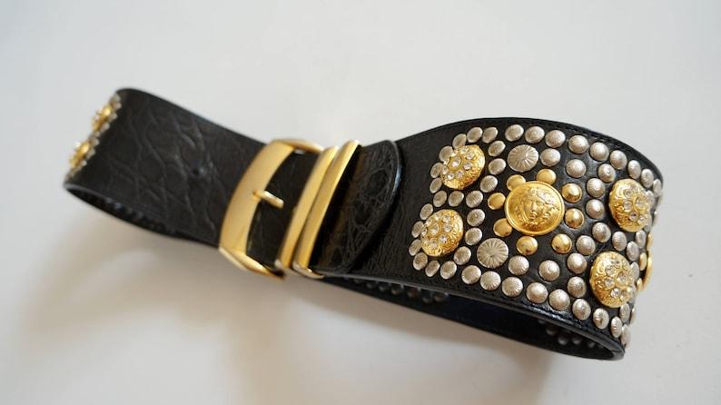 56da7c291b6 Versace Vintage ceinture cuir medusa méduse or vintage or tête