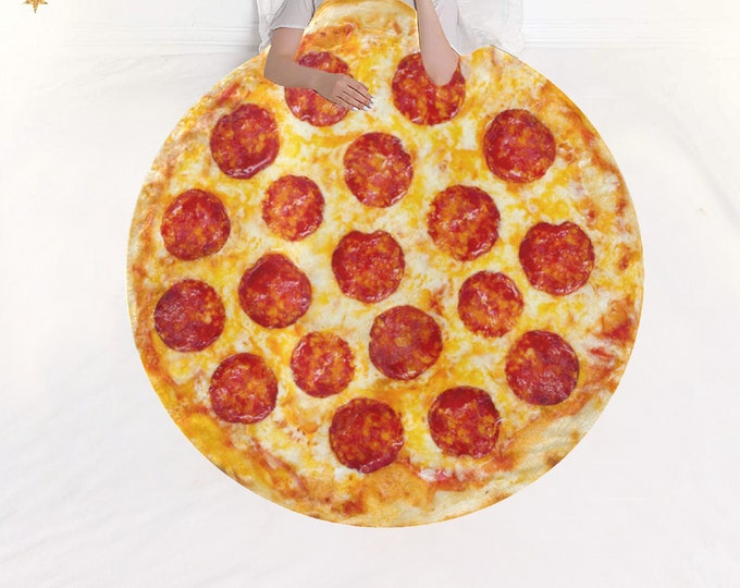Featured listing image: Microfleece Round Blanket pizza
