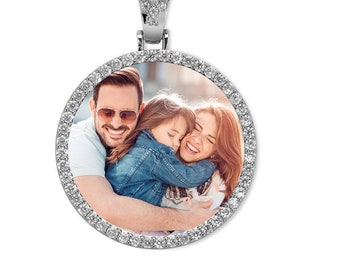Round Silver Zirconia Photo Necklace