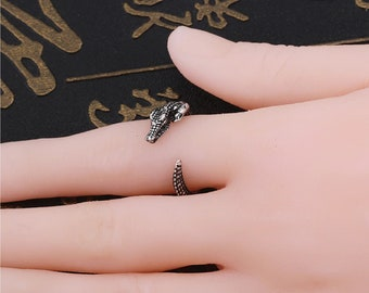 Adjustable Wrap Ring Crocodile