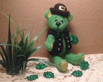 Needle felted Irish Teddy- Saint Patty's Teddy-Green Teddy with Shamrock-Miniature Irish Teddy Bear-Saint Patrick's Day Decoration