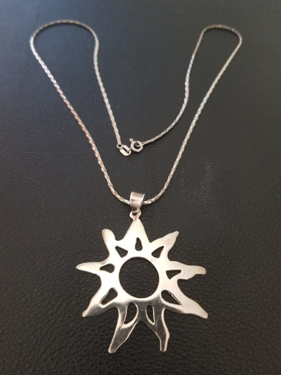 Vintage sterling silver chain /& native American Sunburst pendant necklace