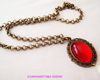 Tudor Medeival Deep Garnet Glass pendant Necklace chain larp ren sca