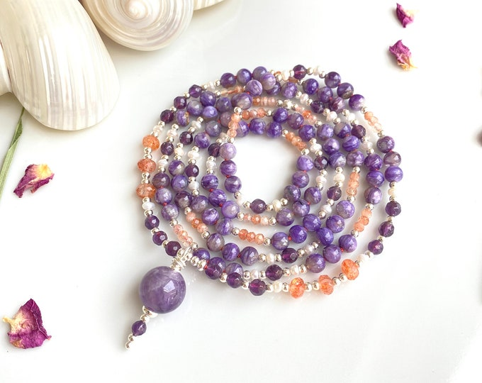 Mala necklace in chaorite, amethyst, sunstone, decorated with silver and freshwater pearls, final bead amethyst
