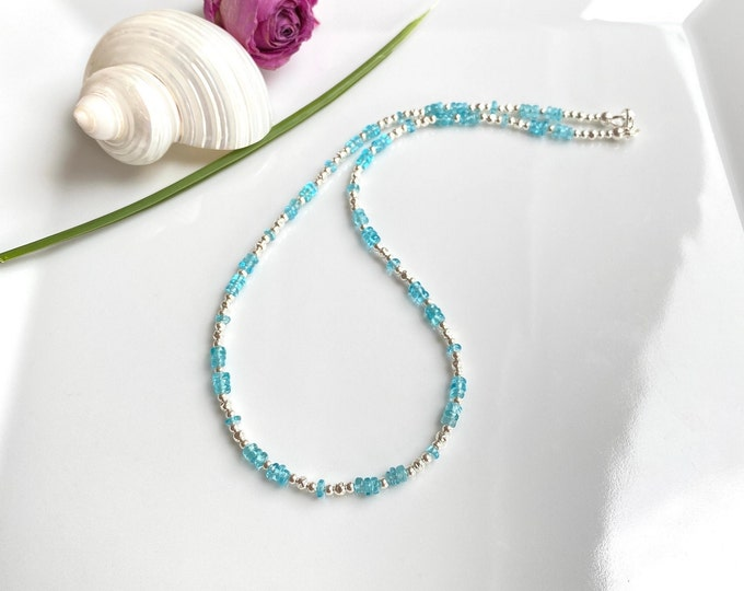 Short necklace in apatite blue and silver