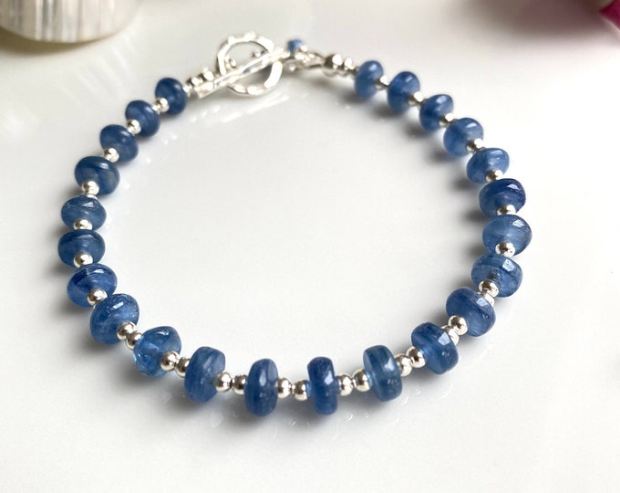 Bracelet in silver and disthen blue (AA) with closure in Hilltribe - Silver