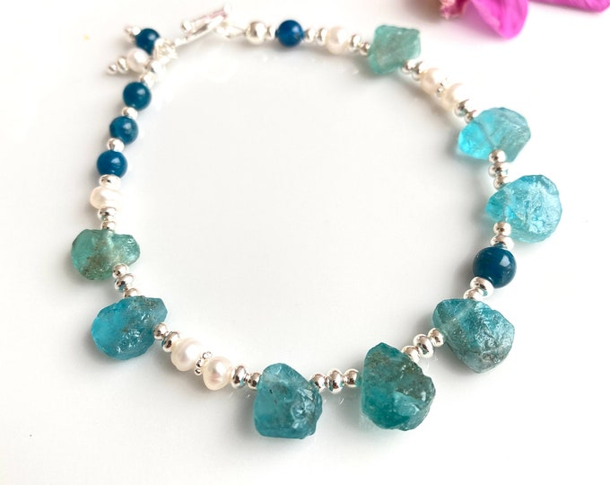 Bracelet made of apatite raw, apatite blue, freshwater pearls and silver