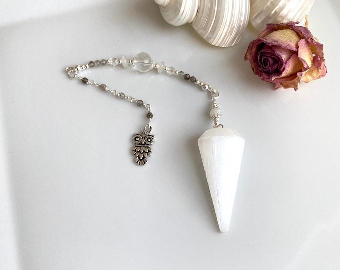 Pendulum made of selenite, moonstone, rock crystal and silver