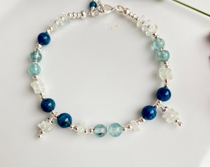 Bracelet in Apatite blue extra, Apatite AA, Aquamarine and Silver