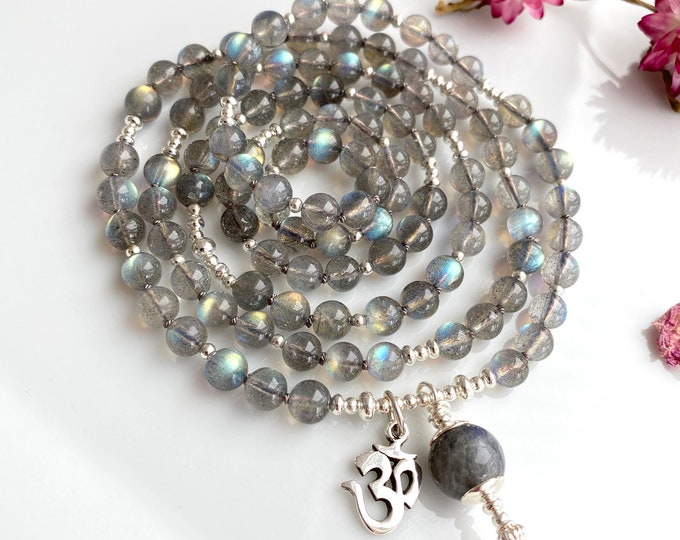 Luminous mala from Labradorite A, decorated with silver, closing bead of labradorite, with pendant OM in silver