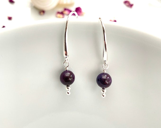 Earrings in sugilite and silver sterling, elegant, simple hanging earrings with rare stone