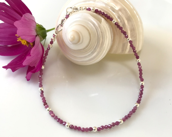 Bracelet made of rubies with silver (925), delicate bracelet made of small, luminous pearls