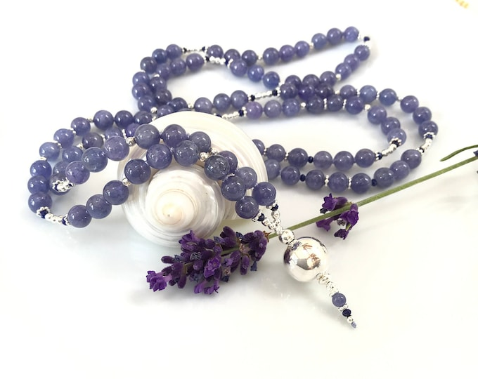 Mala in tansanite (A), decorated with lapis lazuli (A+) and silver, final pearl in silver