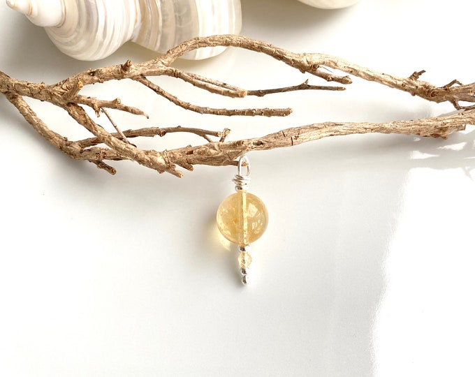 Pendant in luminous citrine and sterling silver