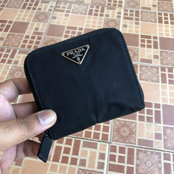 828daa97d44f RARE   COLLECTION Authentic Prada Nylon Black Round Zipper