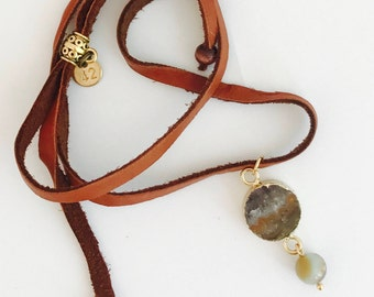 Druzy pendant necklace. Choker necklace with leather cord.