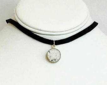 Bohemian choker, luxe boho druzy necklace. White druzy pendant on leather cord. Gift for women.
